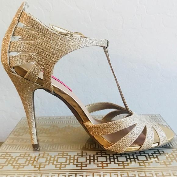 Drop Betsey Johnson Gold Heels Size